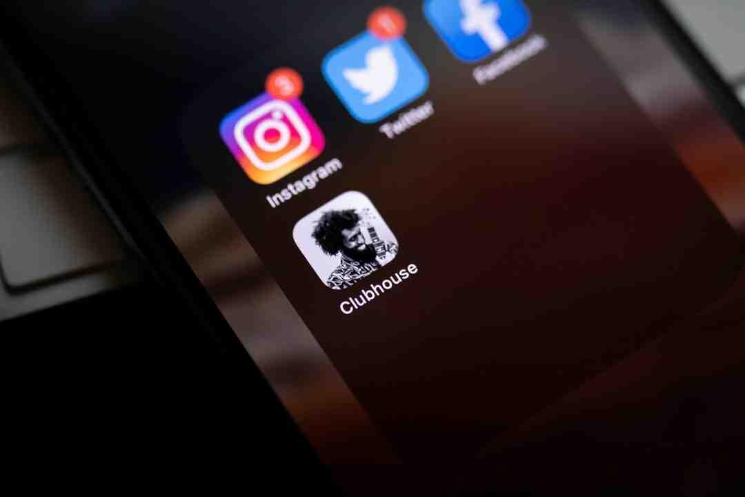Comment retrouver l'identité d'un compte Twitter ?