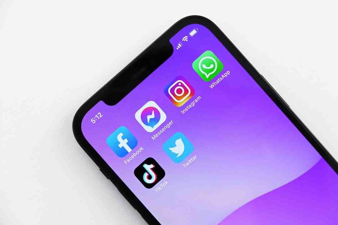 Comment trouver le Facebook d'une personne avec son Instagram ?